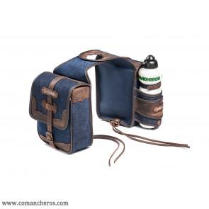 Vordere Satteltaschenjeans mit Wasserflasche